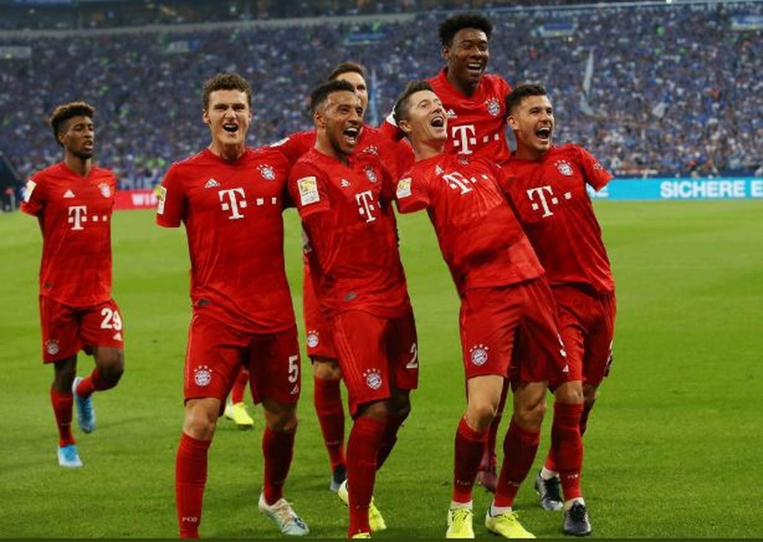 Fc Bayern Handspiel Arger Schalke Macht Sich Mit Foto Uber