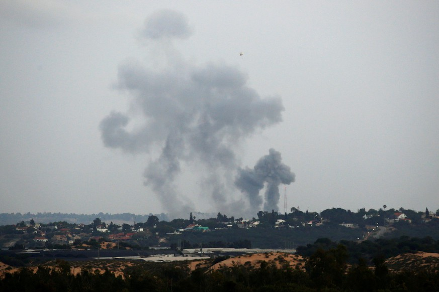 Smoke rises following an Israeli air strike on the Gaza Strip, as seen from the Israeli side of the border, May 12, 2018. REUTERS/Amir Cohen