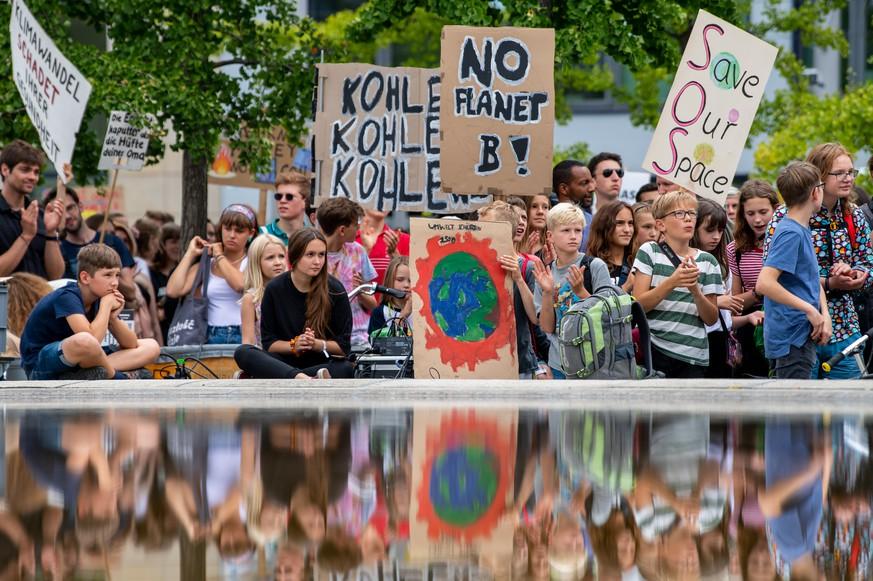Heute ist Klimastreik! Demo in 160 Ländern – Fridays for Future mit Aufruf an Erwachsene